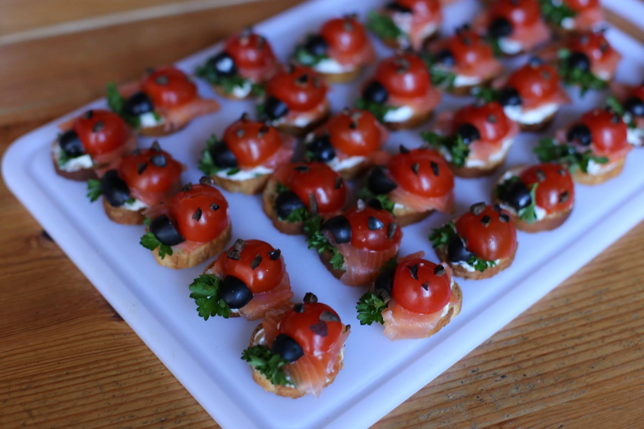 Toasts cocinnelle-tomates